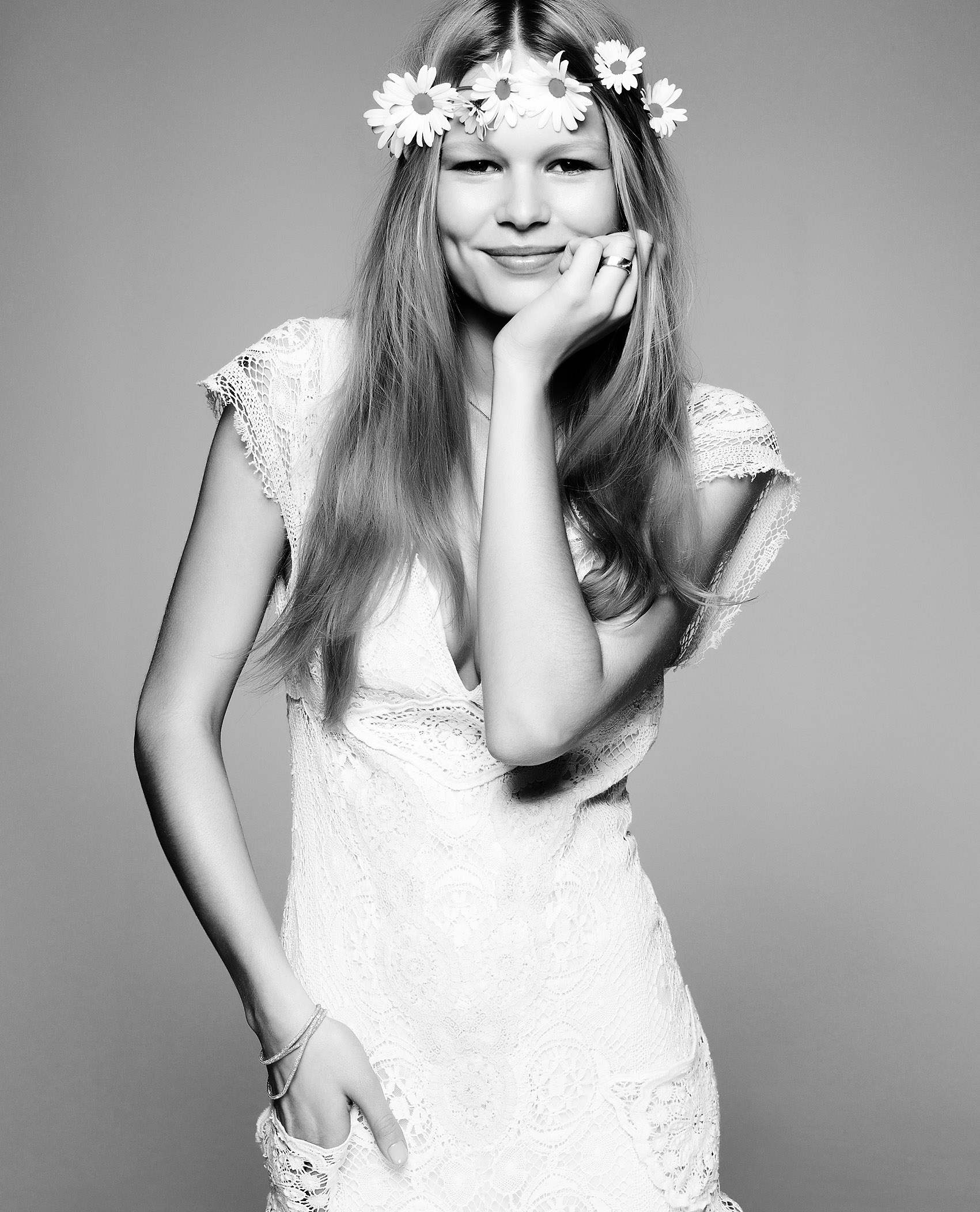 anna-ewers-by-jimmy-backius-for-kurz-jewelry-2014-5