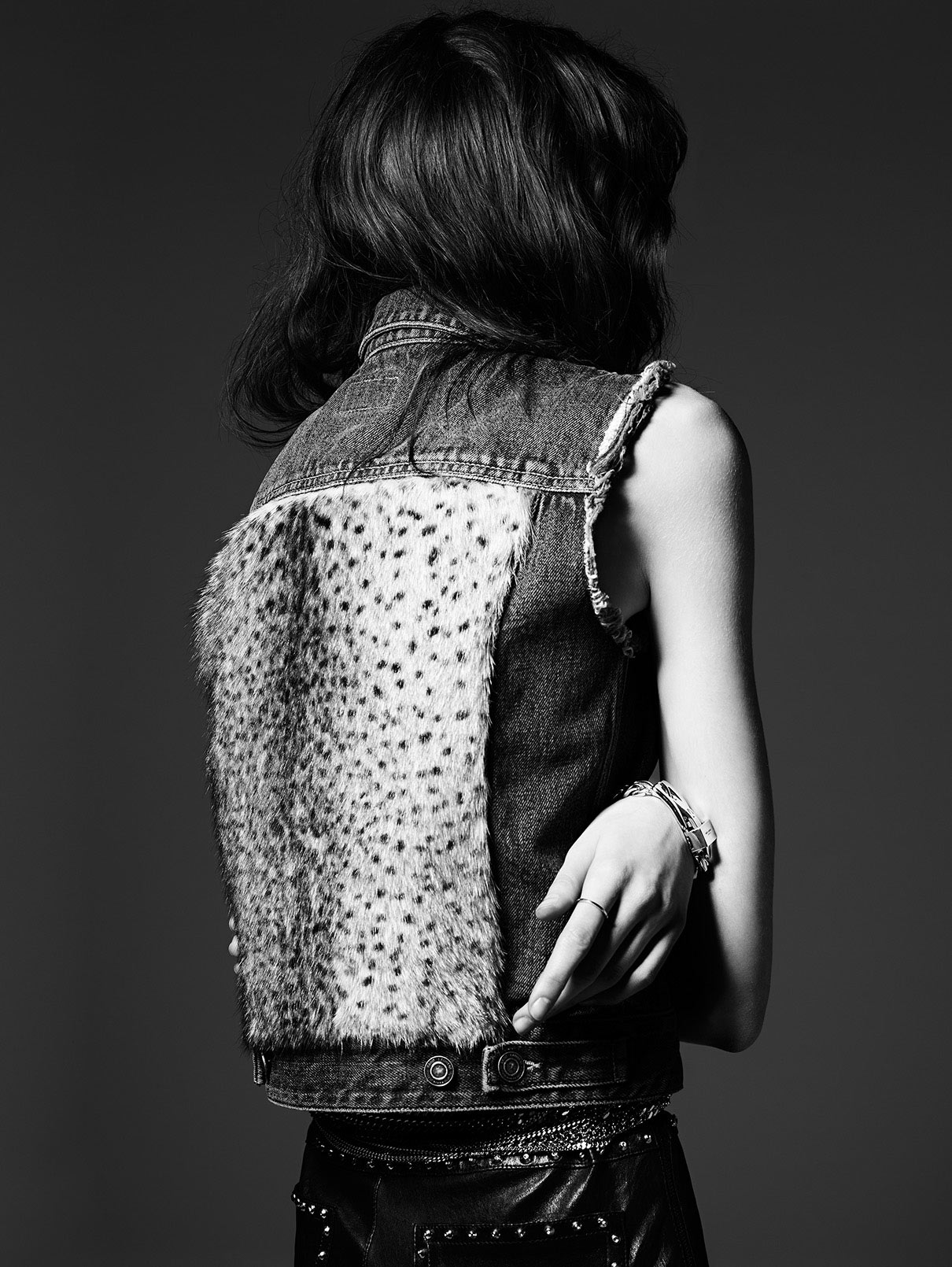 grace-hartzel-by-hedi-slimane-for-saint-laurent-pre-fall-2014-3
