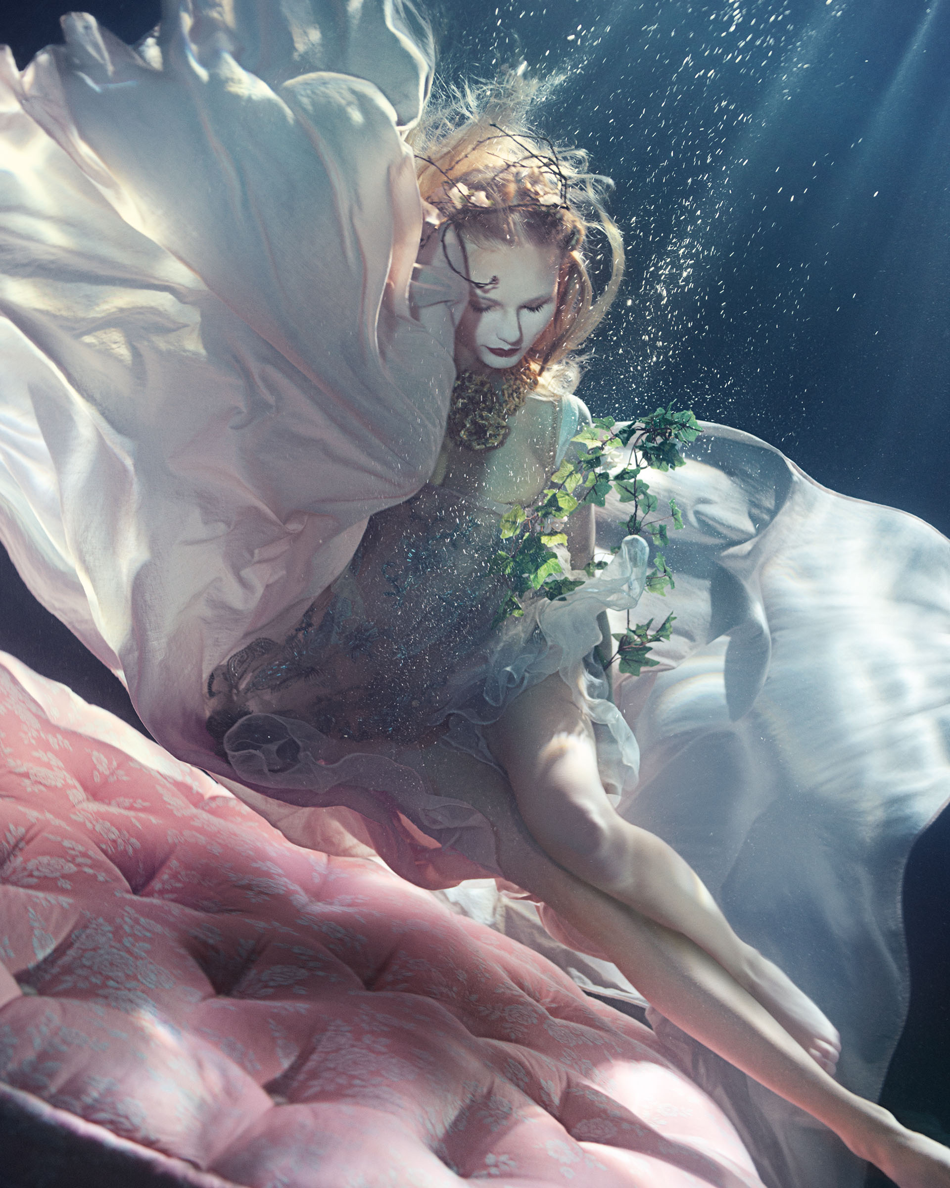 lydia-beesley-franziska-klein-by-zena-holloway-for-how-to-spend-it-may-2014-1
