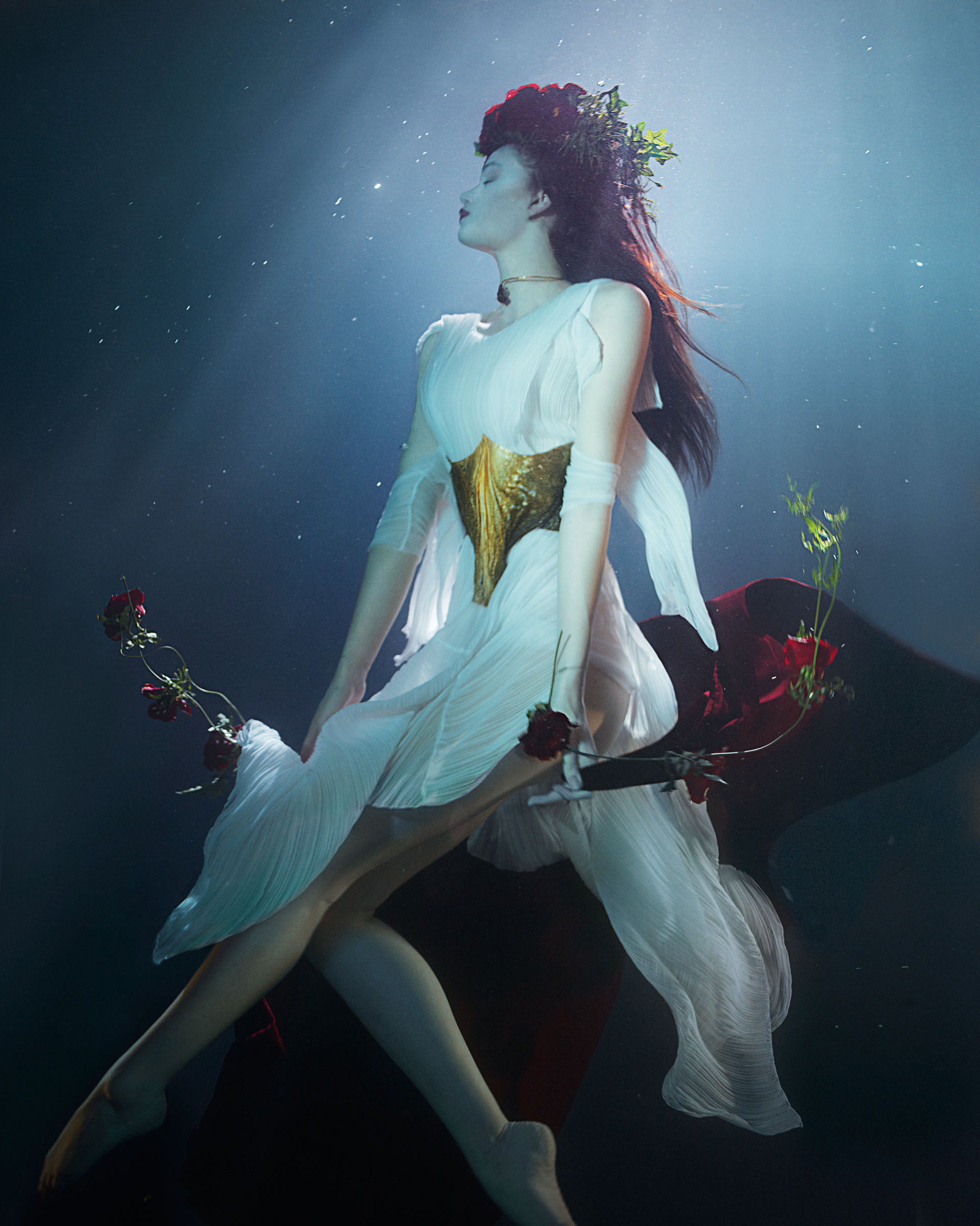 lydia-beesley-franziska-klein-by-zena-holloway-for-how-to-spend-it-may-2014-4