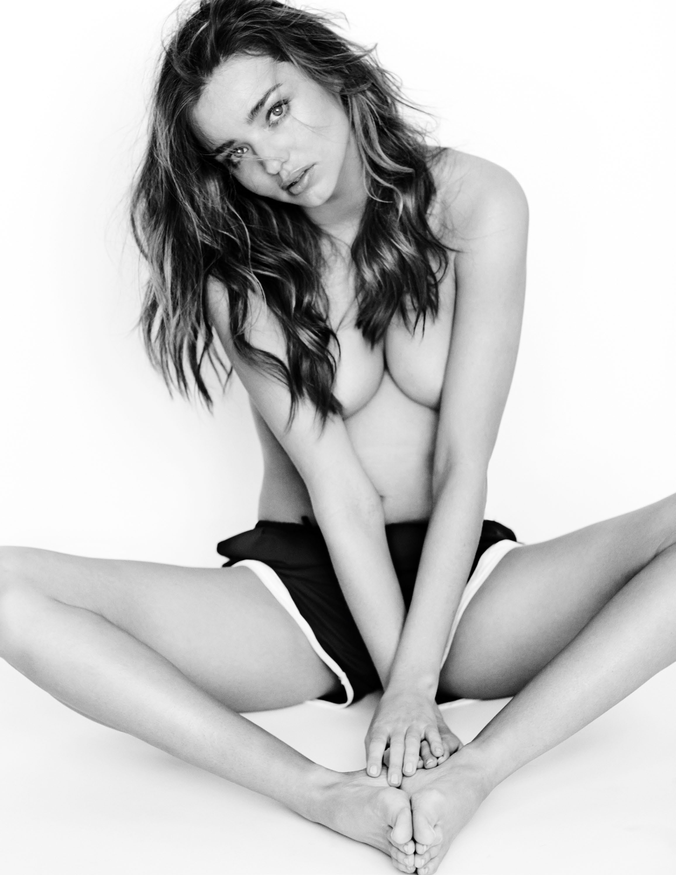 miranda-kerr-by-mario-testino-for-gq-uk-may-2014-11