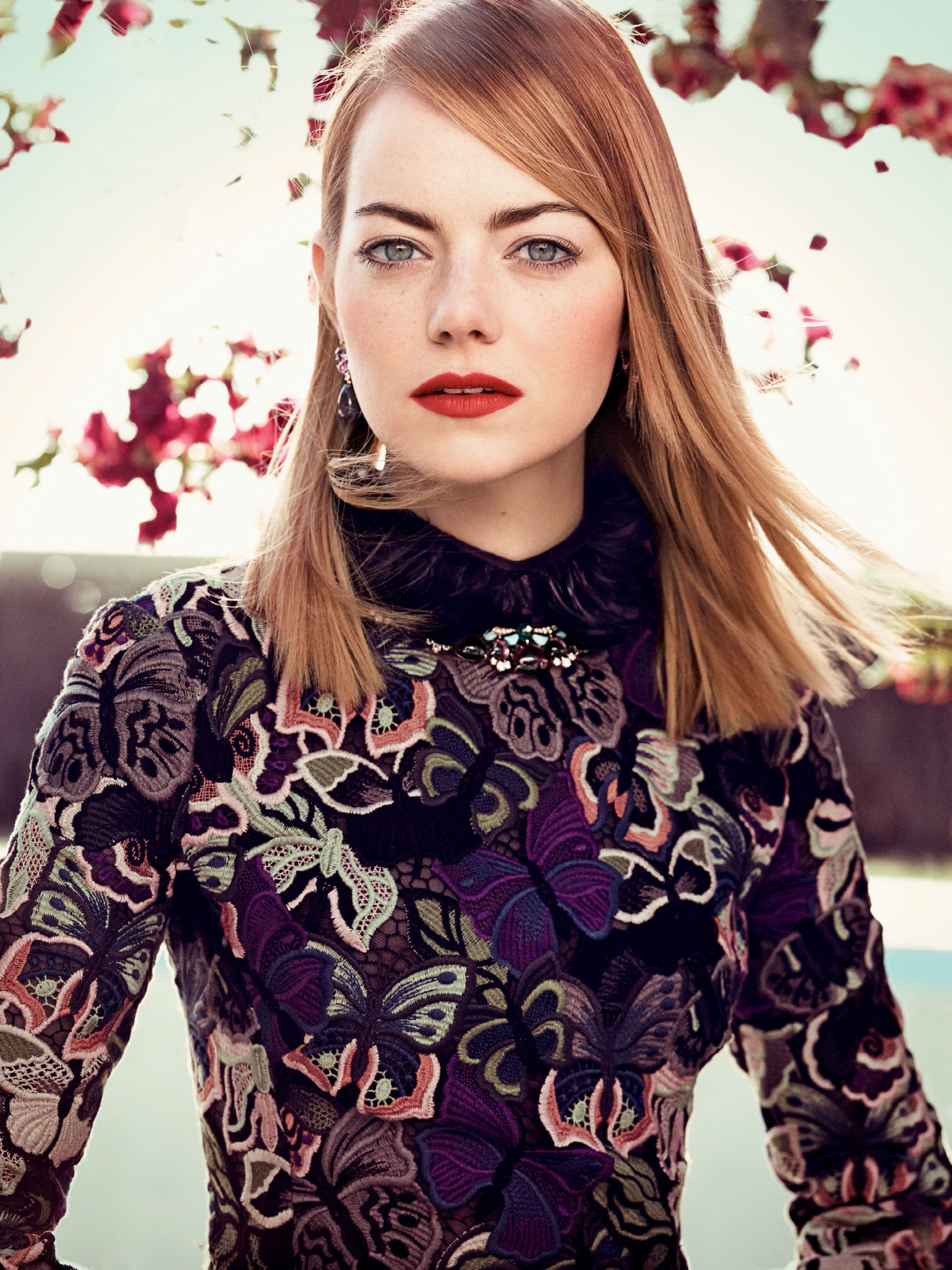emma-stone-by-craig-mcdean-for-vogue-us-may-20141