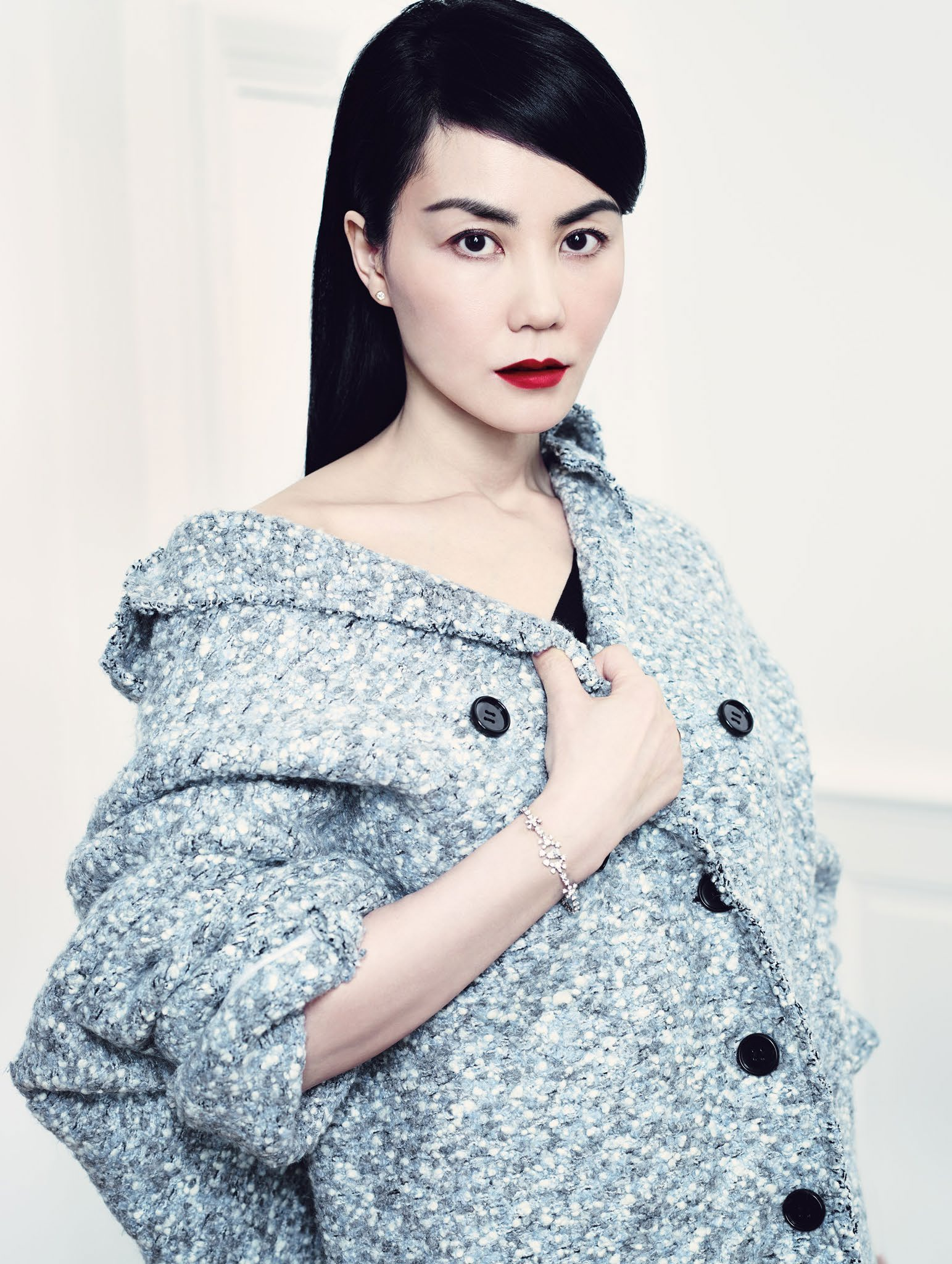 faye-wong-by-emma-summerton-for-vogue-china-june-2014-4