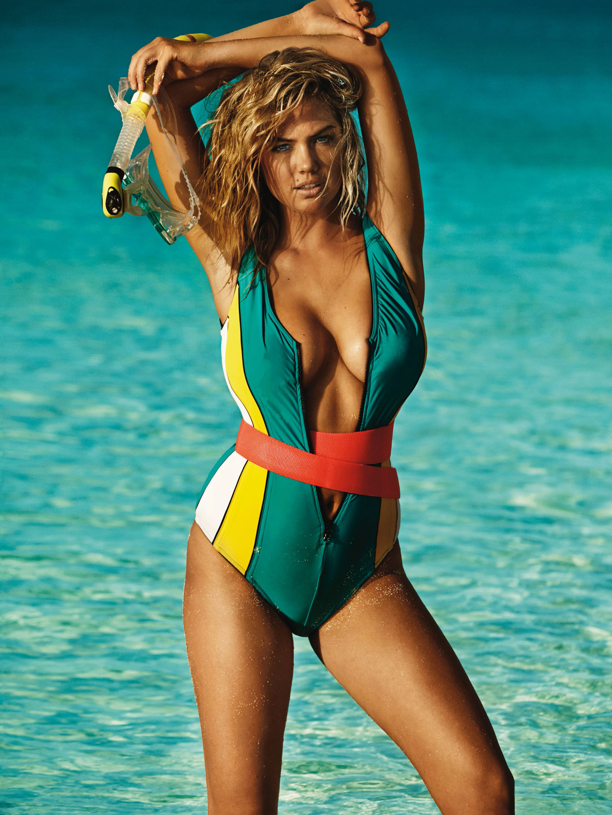 kate-upton-by-mario-testino-for-uk-vogue-june-2014-5