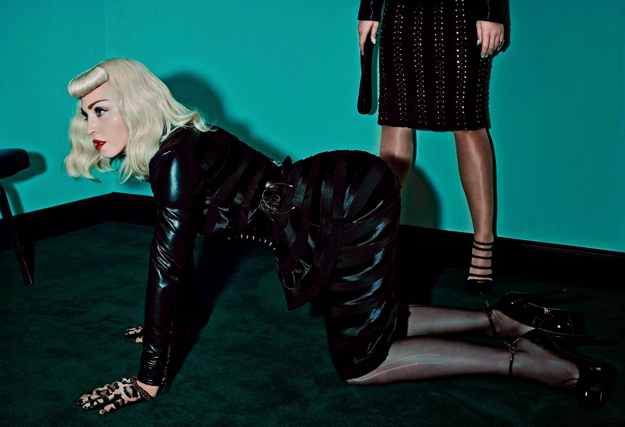 katy-perry-and-madonna-by-steven-klein-for-v-magazine-89-summer-201421