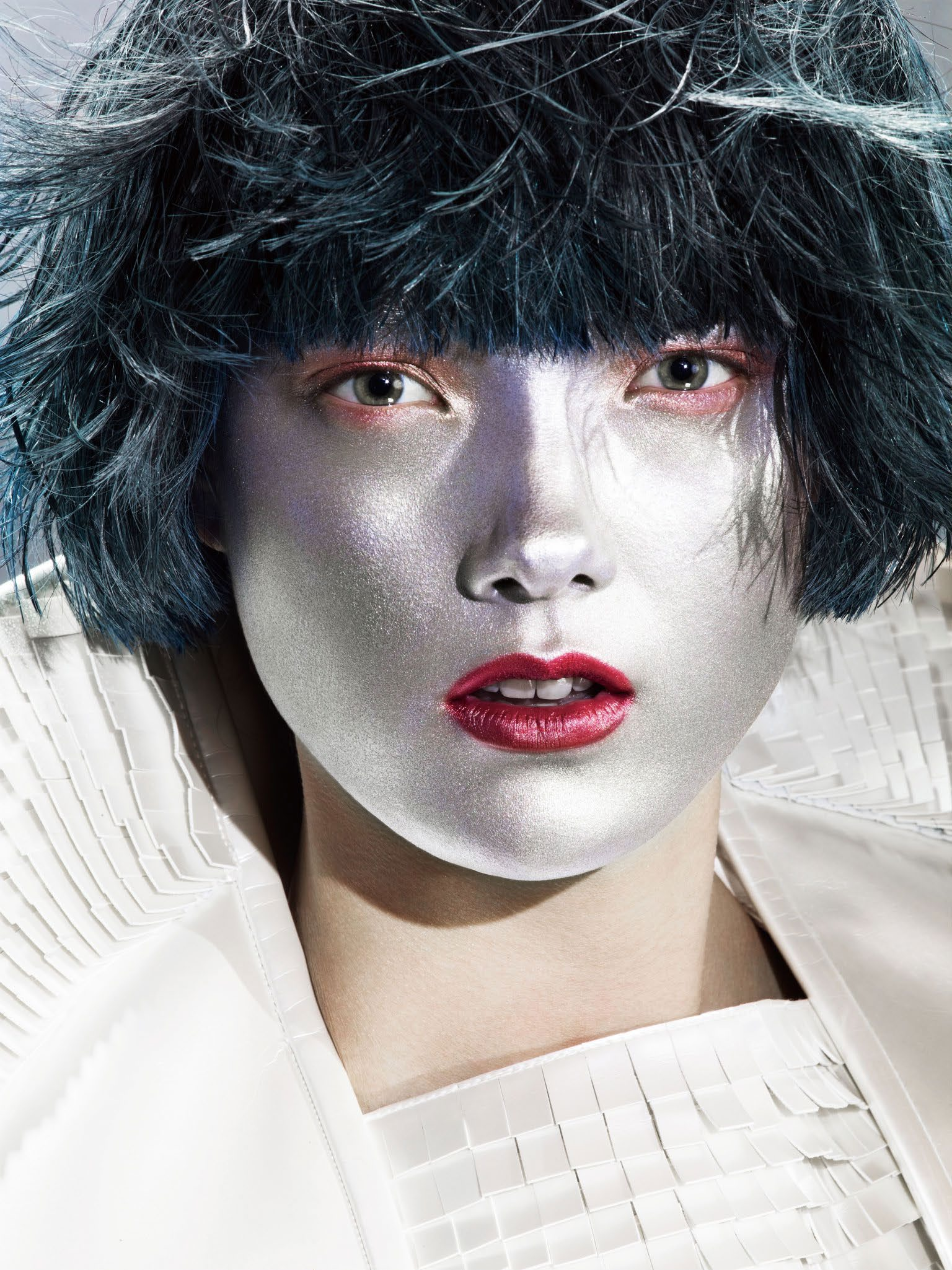 yumi-lambert-by-kenneth-willardt-for-vogue-china-june-2014-4