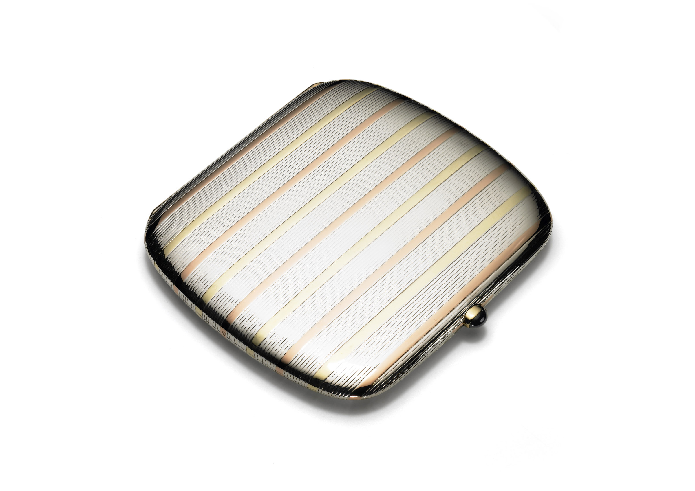 Cigarette case exterior view _c_ Cartier
