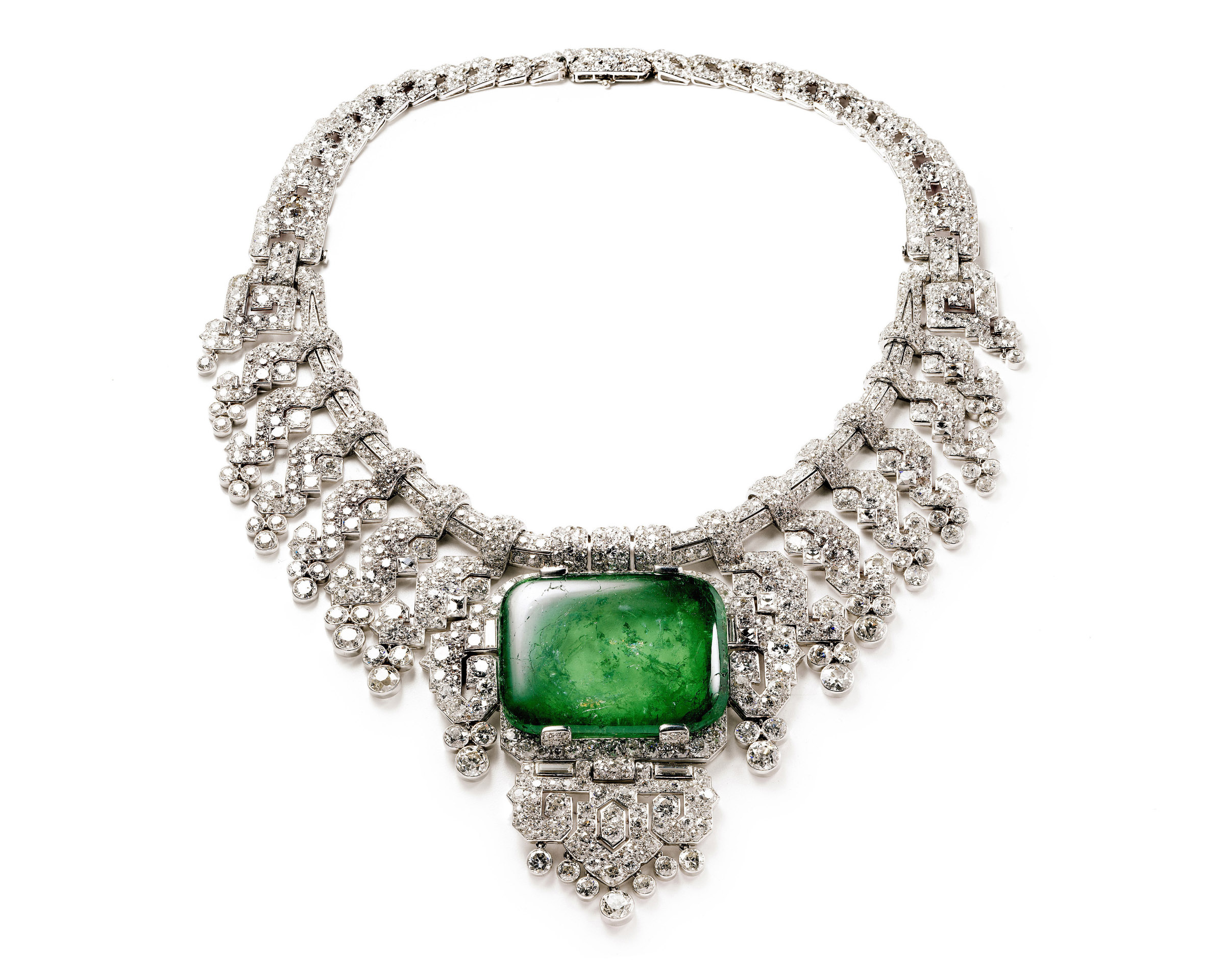 Necklace worn by Countess of Granard _c_ Cartier