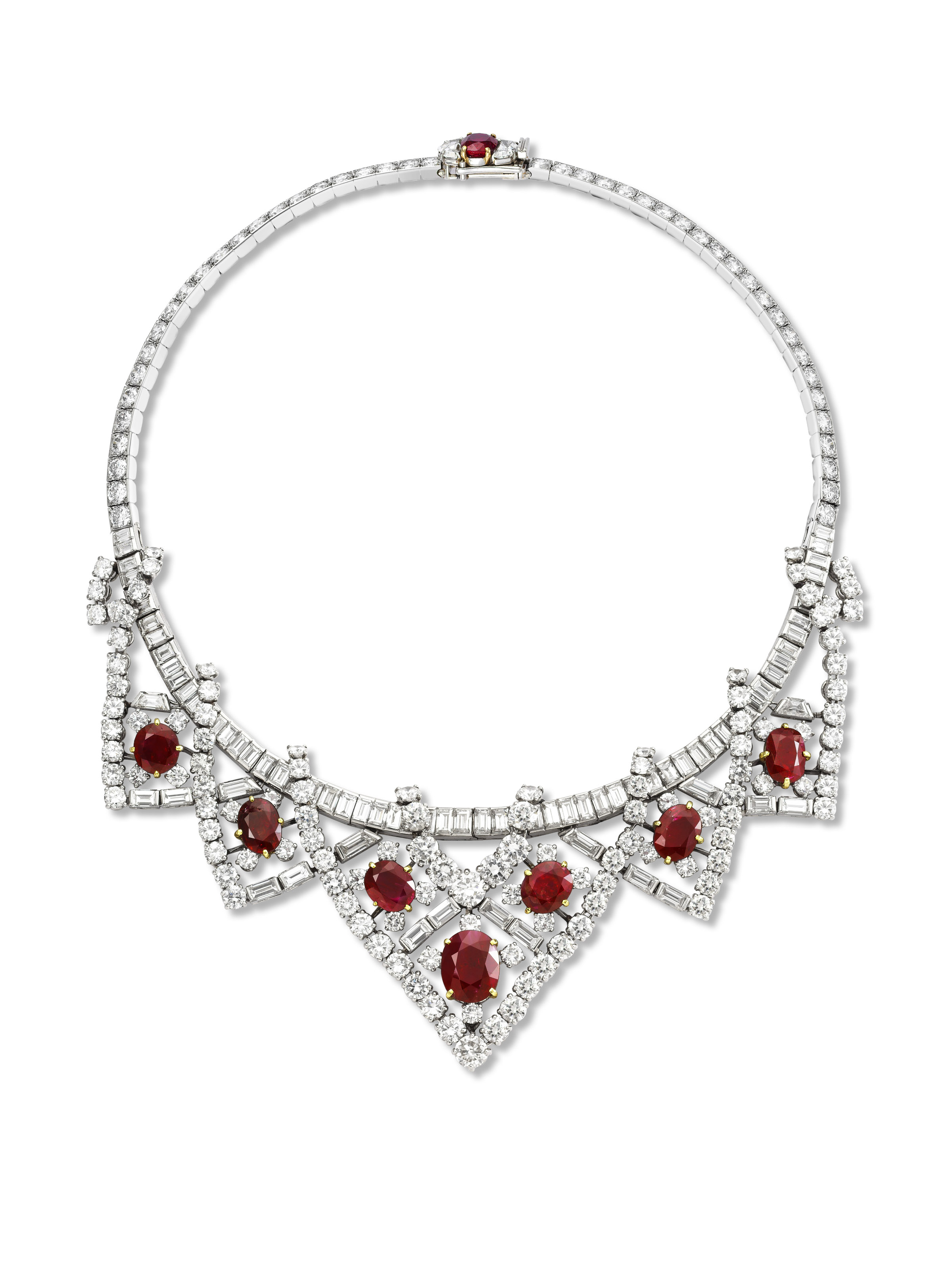 Necklace worn by Elizabeth Taylor _c_ Cartier