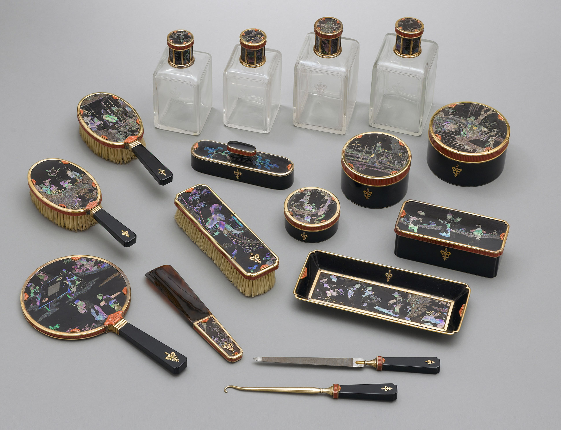 Vanity set from the collection of Barbra Streisand