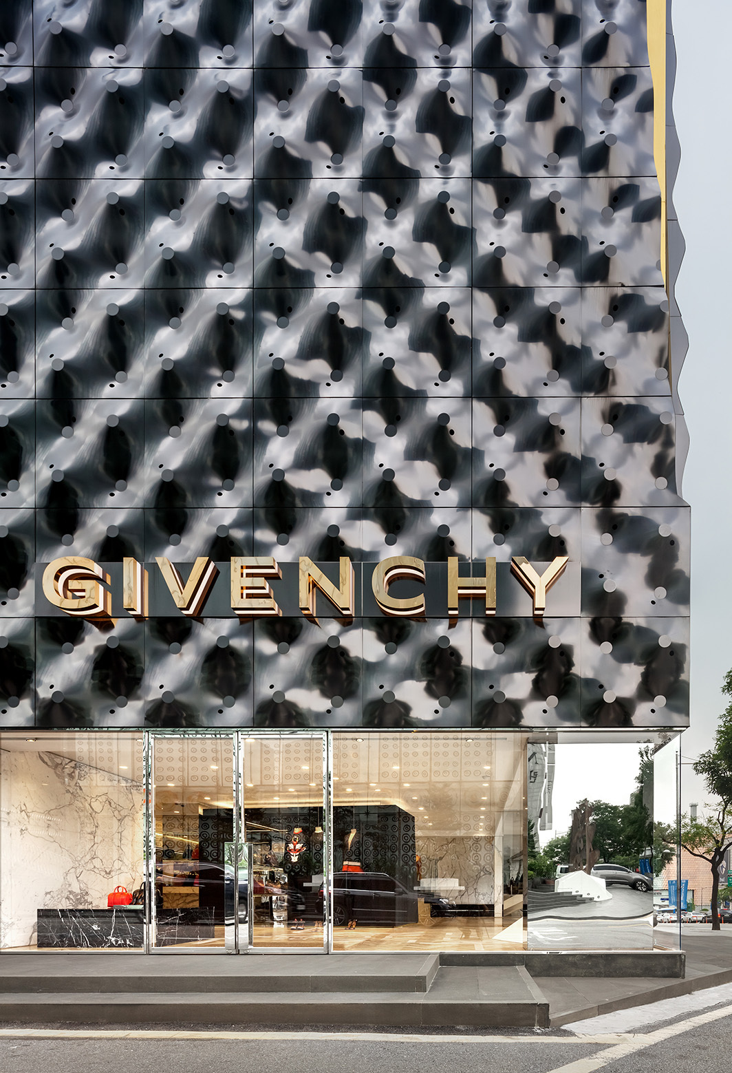 givenchy-flagship-store-in-seoul-piuarch-05