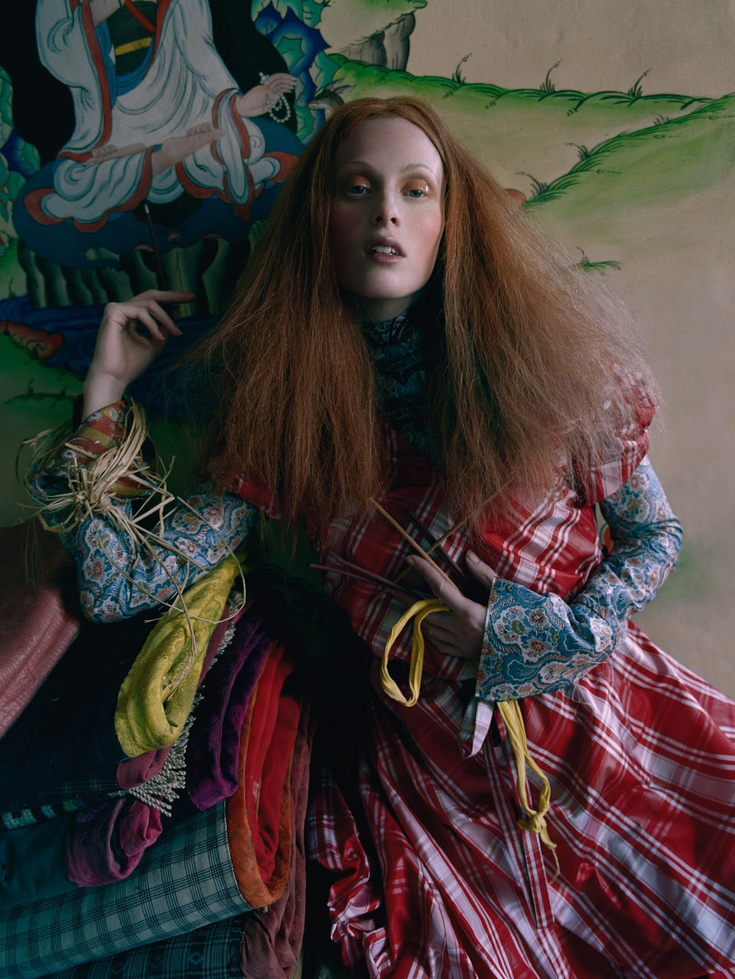 karen-elson-by-tim-walker-for-vogue-uk-may-2015-5