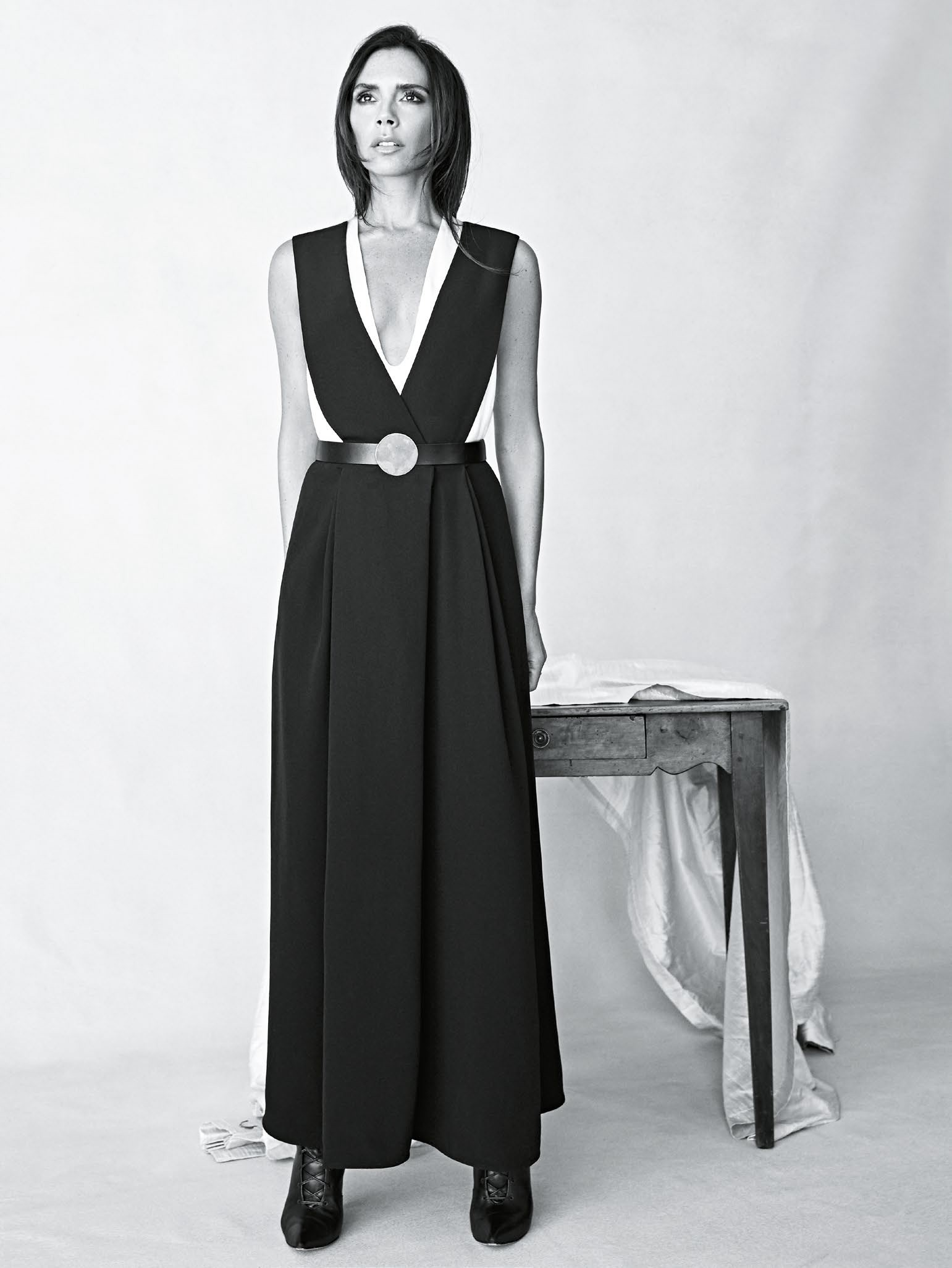 victoria-beckham-by-patrick-demarchelier-for-vogue-australia-august-2015-6