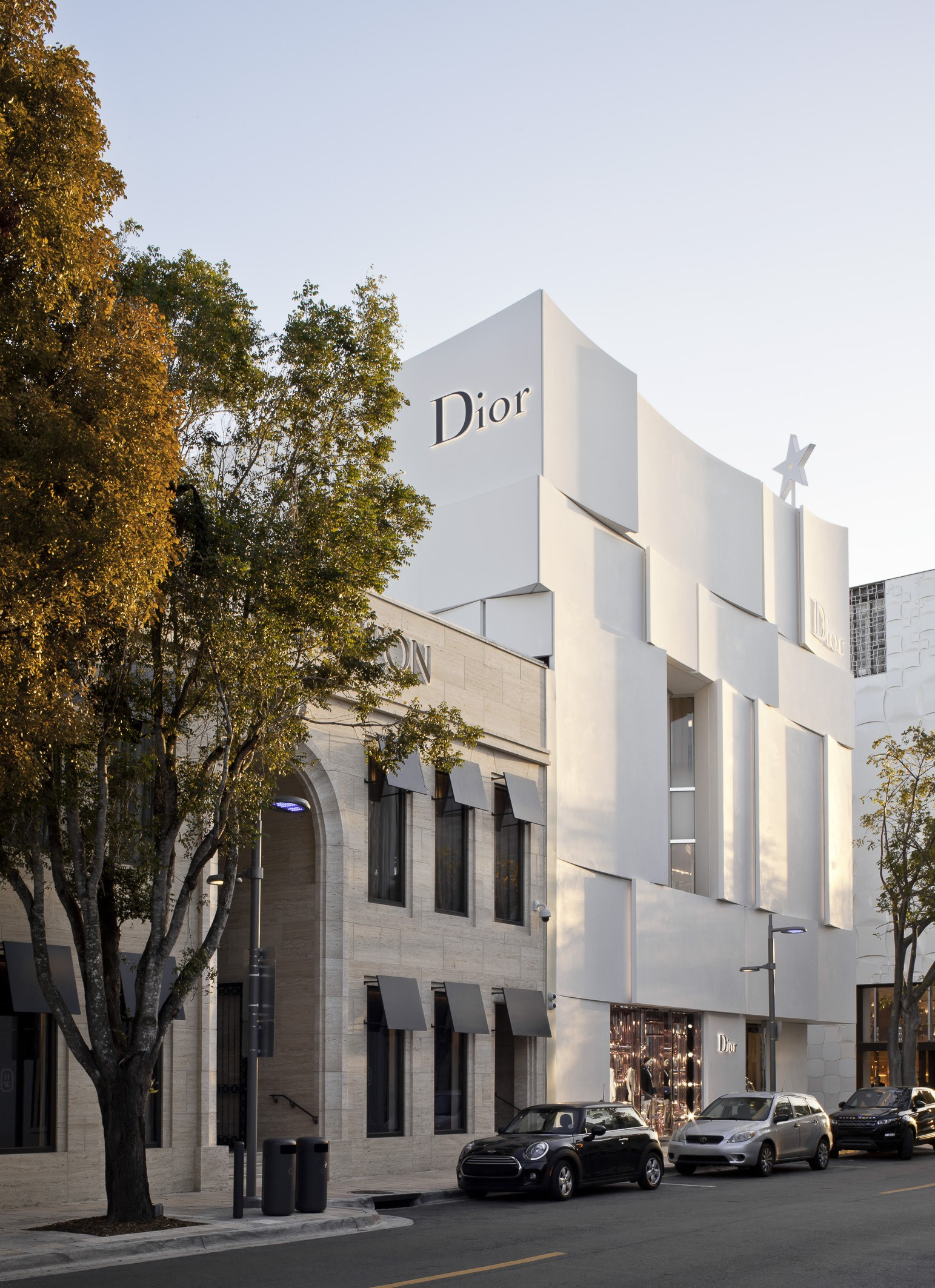 Dior Miami Facade-yesonfashion-com-02