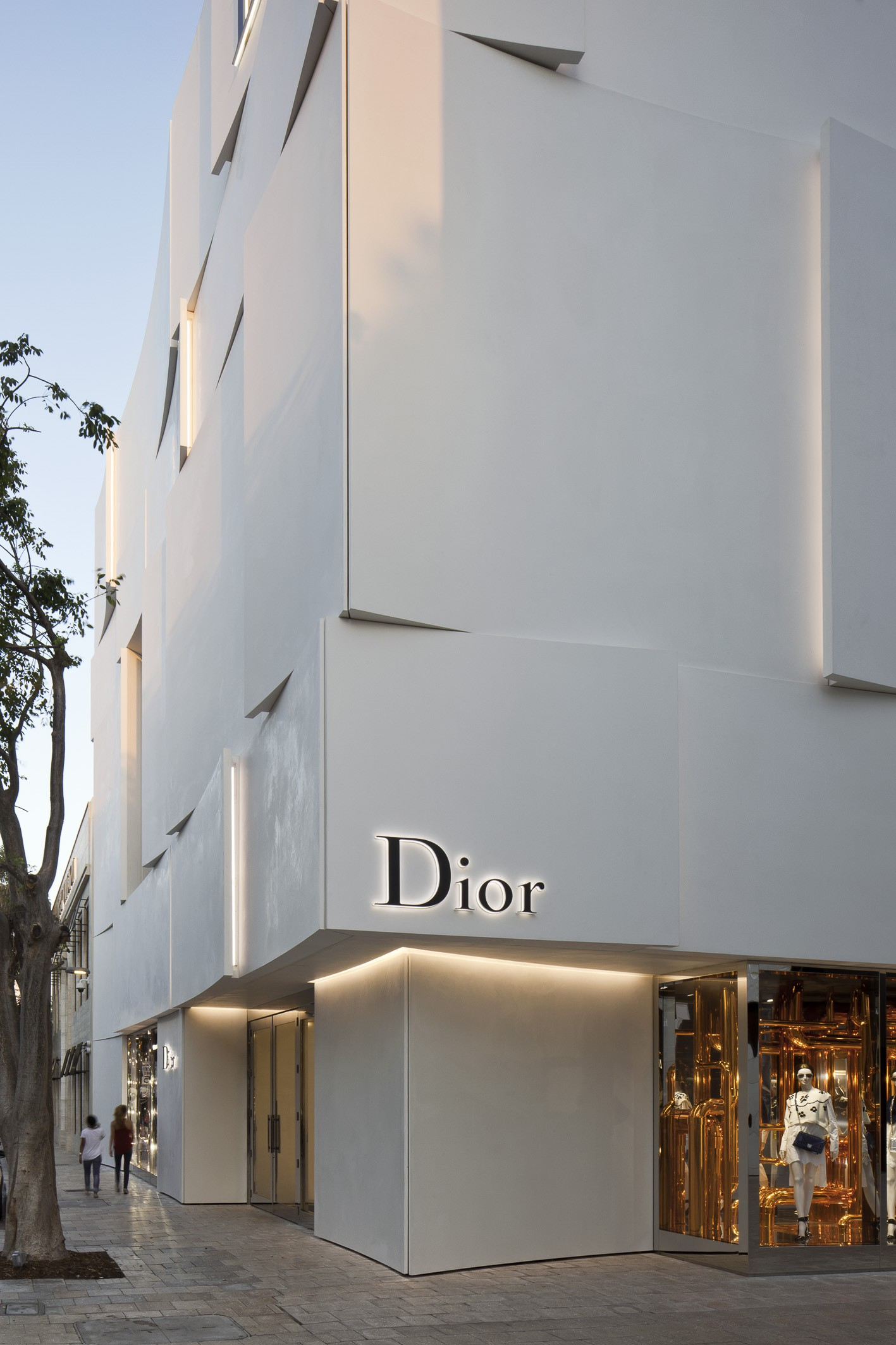 Dior Miami Facade-yesonfashion-com-04