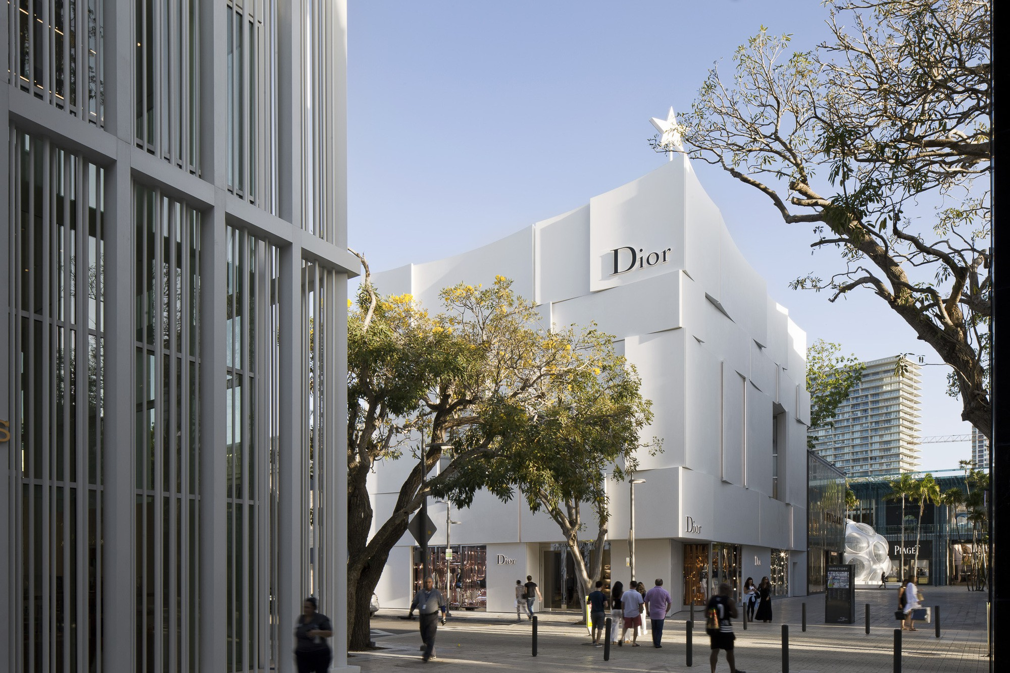 Dior Miami Facade-yesonfashion-com-05
