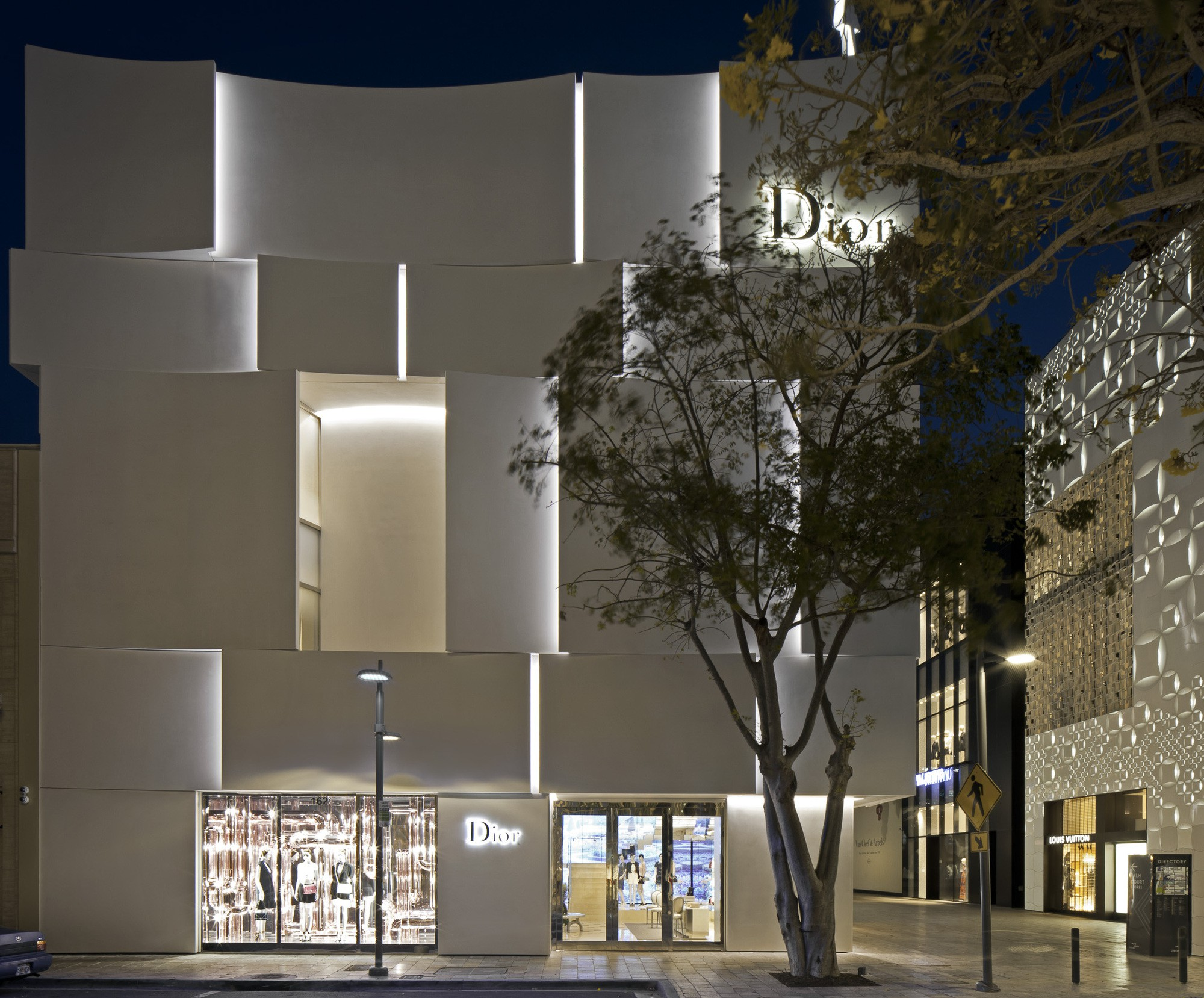 Dior Miami Facade-yesonfashion-com-15