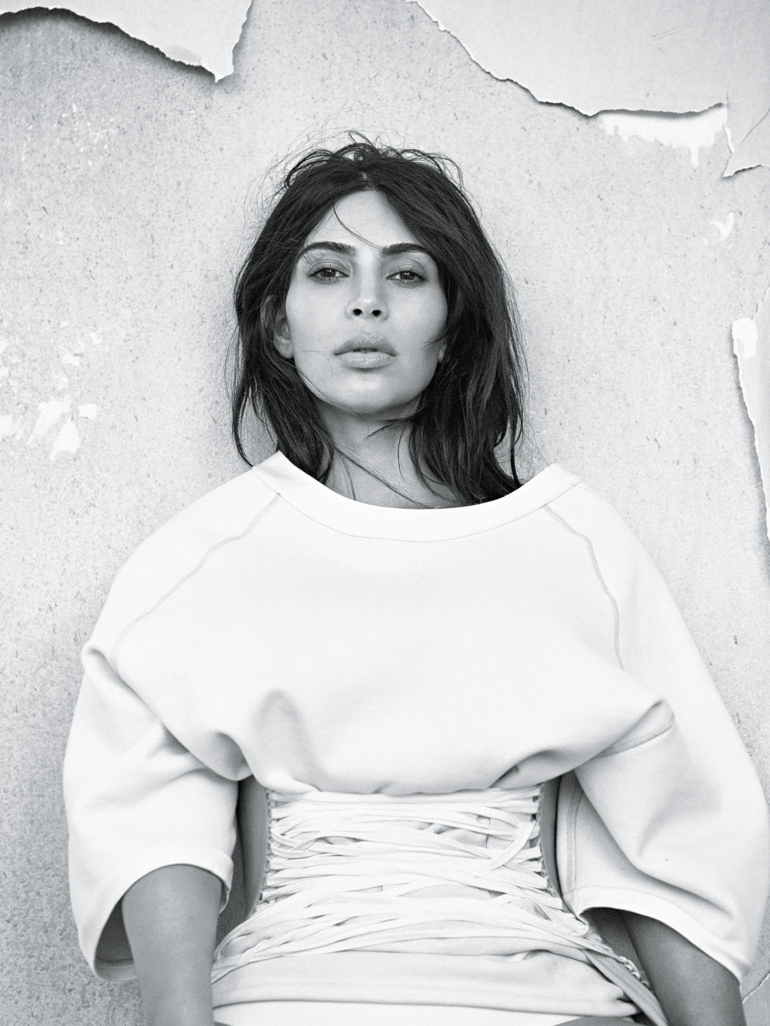Vogue_Australia-June_2016-Kim_Kardashian_West-by-Lachlan_Bailey-02