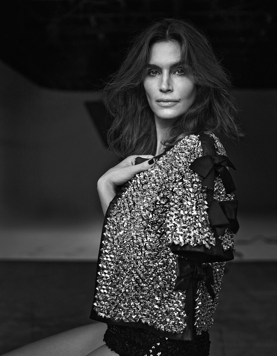 cindy-crawford-by-bryan-adams-for-zoo-magazine-springsummer-2016-1