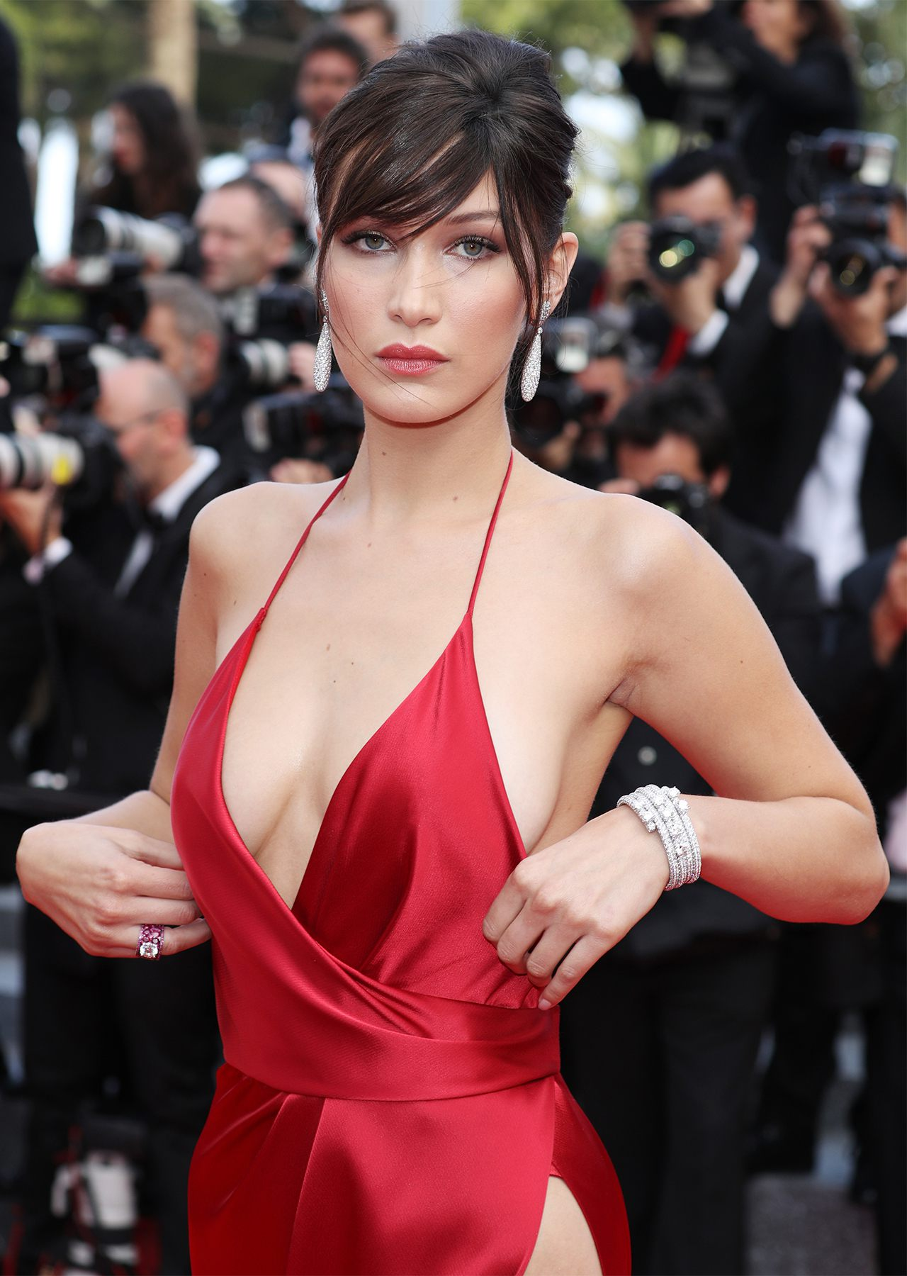 1280_bella_hadid_unknown_girl_premiere_cannes_full_3