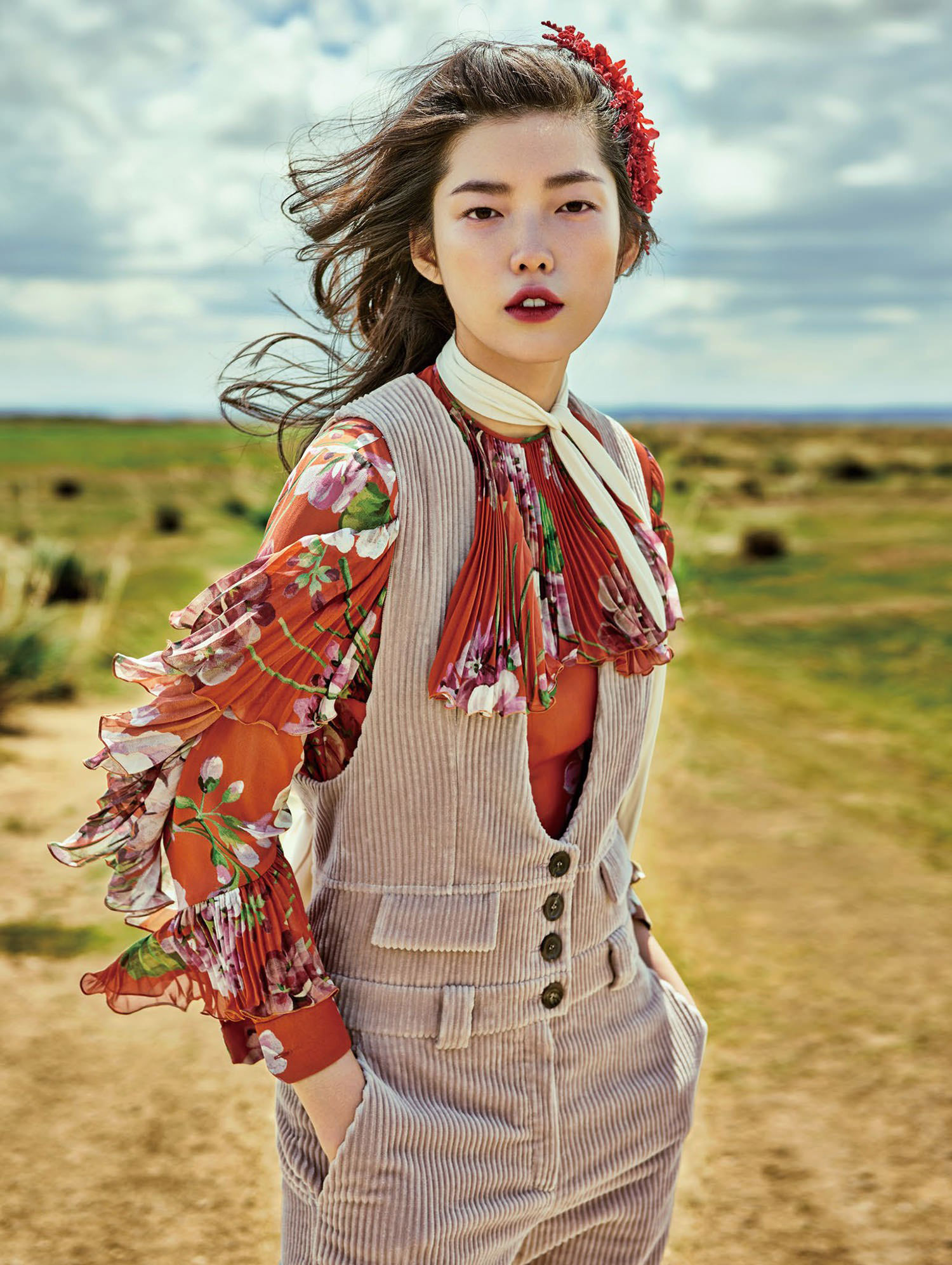 jessie-hsu-by-yin-chao-for-vogue-china-august-2015-6