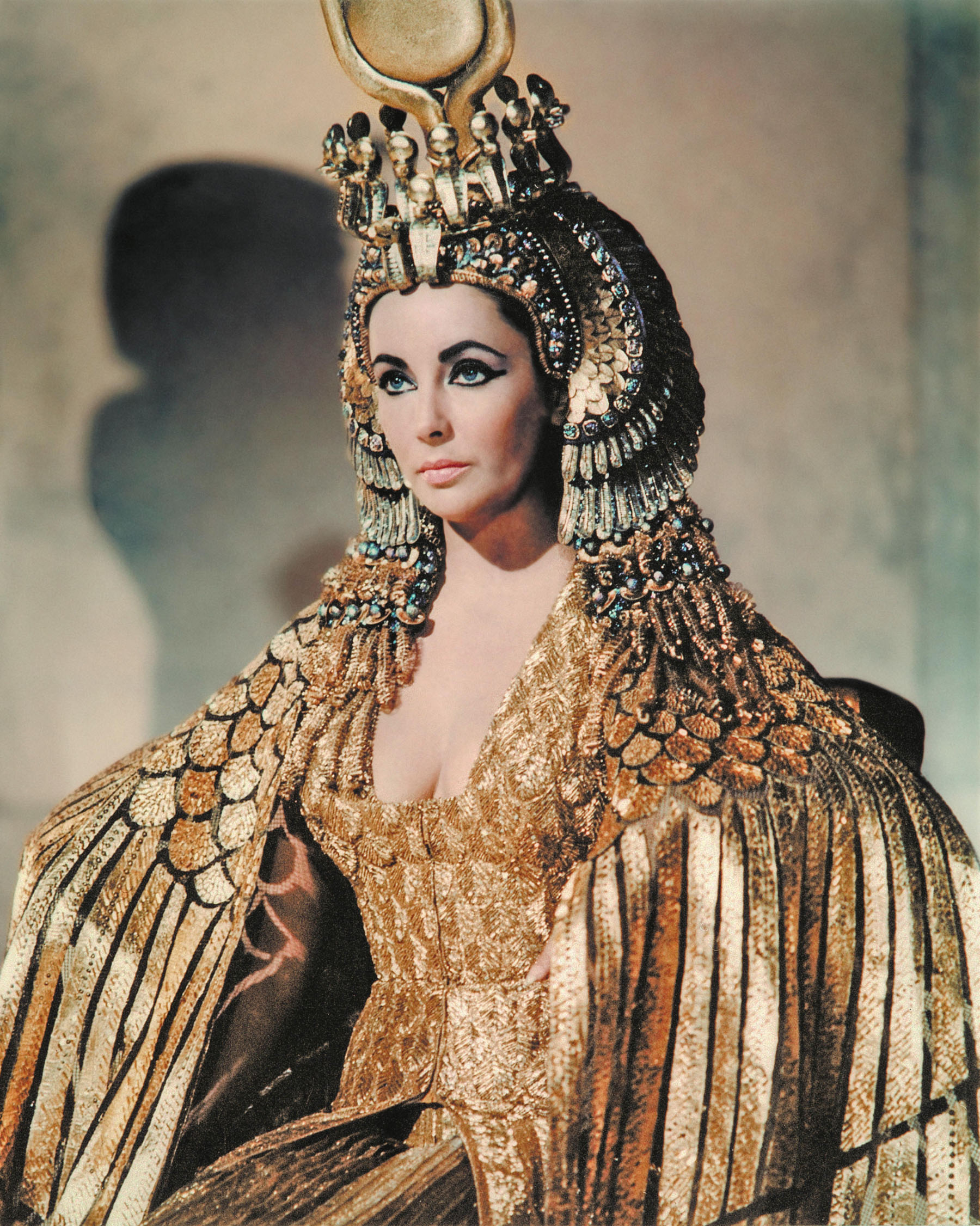 Elizabeth-Taylor-in-Cleopatra-1963-©20th-Century-Fox-The-Kobal-Collection