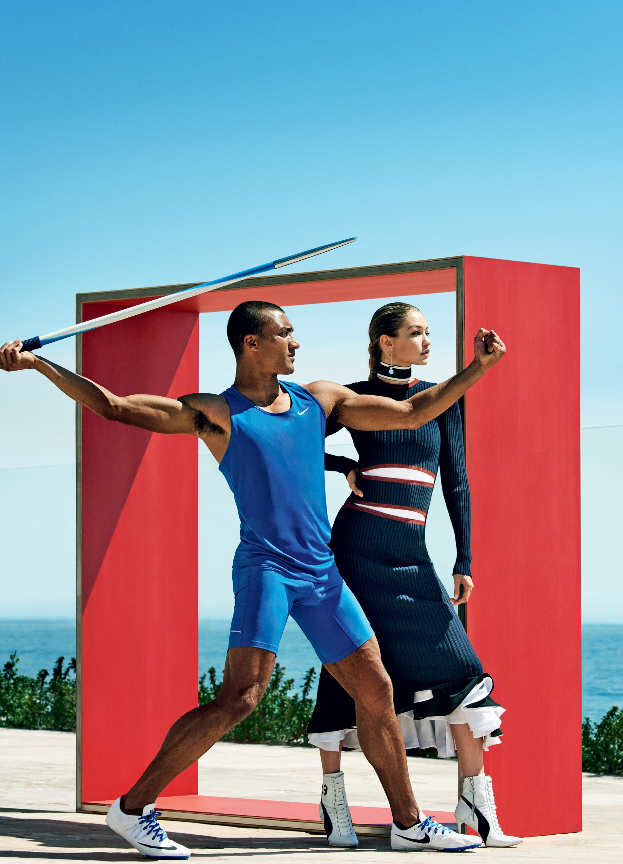 Vogue-US-August-2016-Gigi-Hadid-Ashton-Eaton-by-Mario-Testino-04